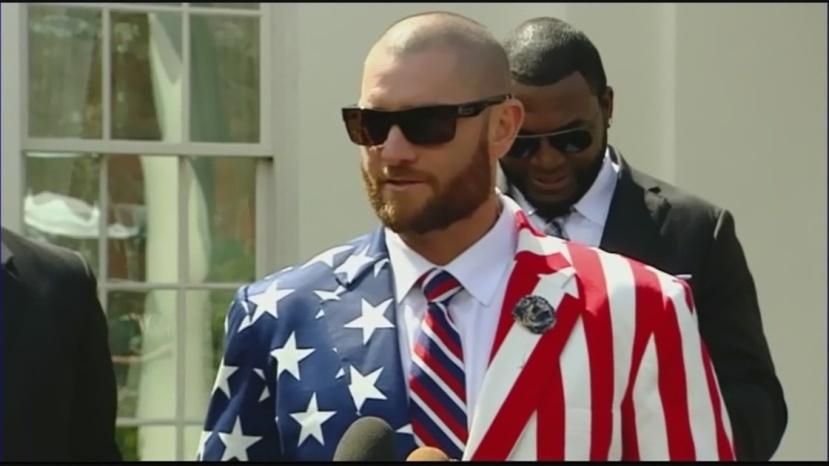 img-How-President-Obama-reacted-to-Jonny-Gomes-America-jacket